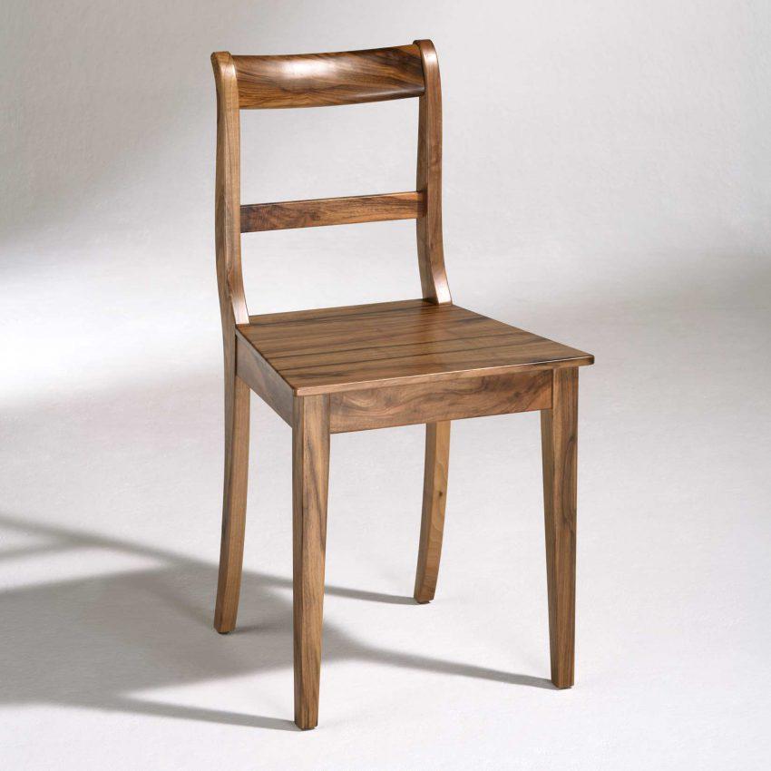 LIGNUM Biedermeier Stuhl in Walnuss, Spitzbeine, gerader Steg