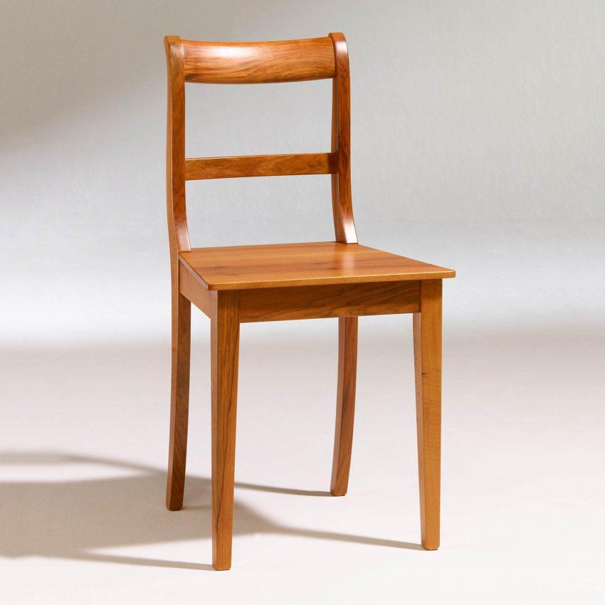 LIGNUM Biedermeier Stuhl in Walnuss nachgedunkelt, Spitzbeine, gerader Steg
